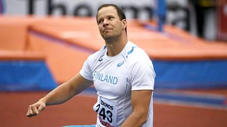 Tero Pitkämäki päätti kautensa Ruotsi-otteluun.
