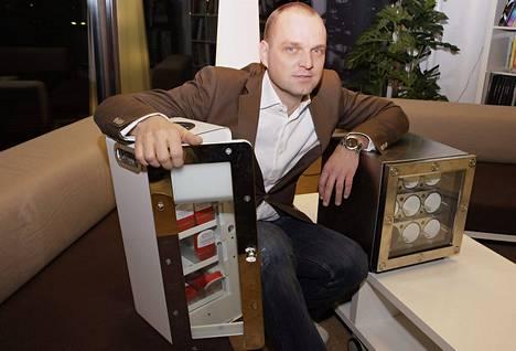 Mozo Oy:n omistaja Olli Kähkönen sanoo, että hyviä tavaroita ei voi myydä huonosta paikasta. Siksi myyntipaikkojen suunnittelulle on tilausta.