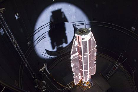 Gocea testattiin ennen lentoa Hollannissa ESAn Large Space Simulatorissa.