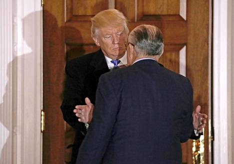 Trump ja Giuliani kuvattuna yhdessä marraskuussa 2016.
