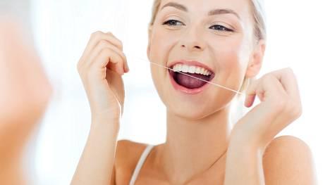 Harjaa hampaat aamuin illoin. Puhdista myös hammasvälit.