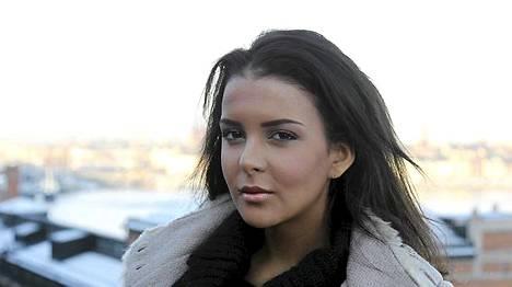 Miss Suomi Sara chafak järkyttyi idolinsa Whitney Houstonin kuolemasta.