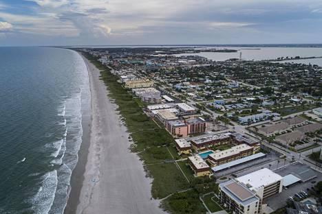 Floridan Cocoa Beachilla varaudutaan hurrikaani Dorianin iskuun.