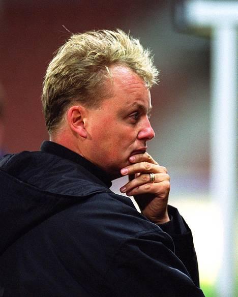 Ville Lyytikäinen menehtyi Helsingissä 19. joulukuuta 2016. Kuva on vuodelta 2001, jolloin Lyytikäinen vaikutti FC Jokerien valmentajana.