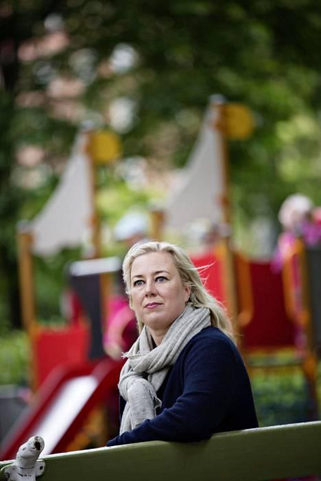 –Pelkkää kotiäidin elämää ei voi viettää, EU-komissaarin tehtävään valmistautuva Urpilainen sanoo Talouselämä-lehdessä. Urpilainen on nyt vanhempainvapaalla mutta käy viikottain Brysselissä.