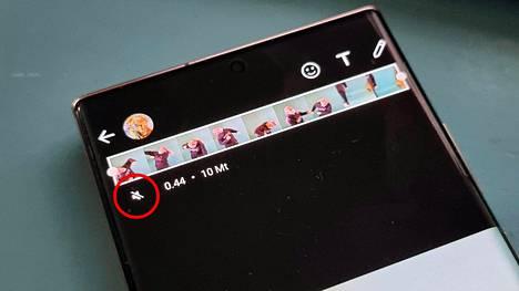 Videot mykistävä painike (kuvassa ympyröitynä) löytyy nauhanäkymän alta videon lähetysnäkymästä. Yhden painalluksen jälkeen kaiutin muuttuu mykistysnäkymäksi.