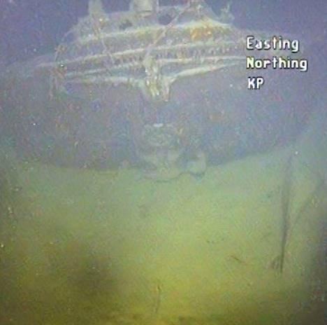 Hylky on 490 metrin syvyydessä.