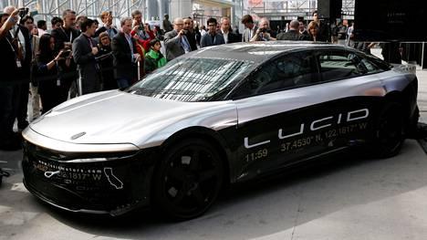 Lucid Motors on tuomassa lippulaivamallinsa Air sedanin jälkeen markkinoille selvästi edullisemman mallin. Lucid on ennakkoon väittänyt, että Air-malli on yksi aerodynaamisesti tehokkaimmista sähkökäyttöisistä luksusautoista. Kuvassa 2017 esitelty konseptimalli.