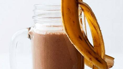 Kahvi, pähkinä ja banaani maistuvat yhdessä mahtavan raikkaalta.