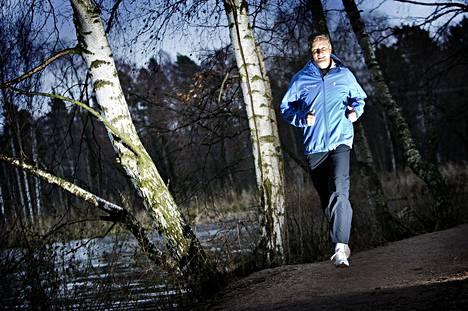 Suomen urheiluliiton entinen puheenjohtaja Antti Pihlakoski on toiminut IAAF:n hallituksessa elokuusta 2015 lähtien.