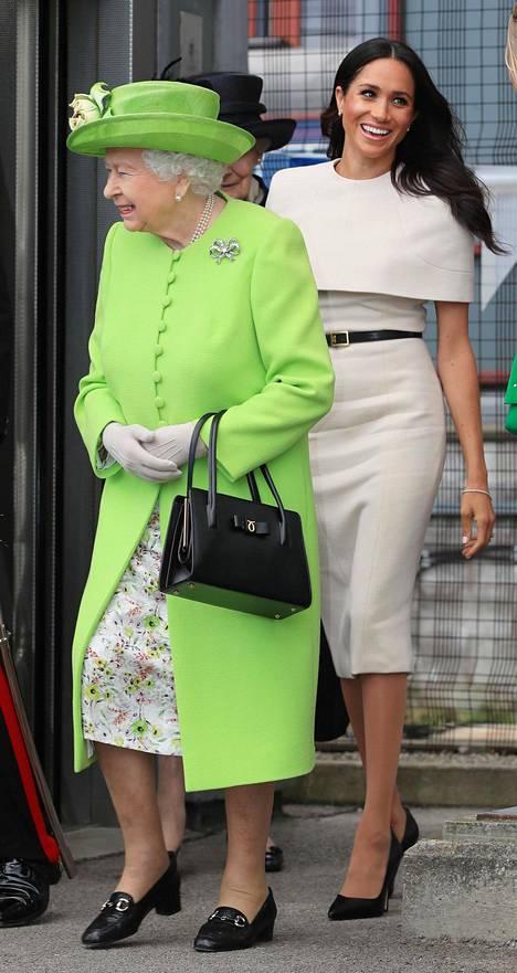 Meghan ja kuningatar Elisabet edustivat ensimmäisellä yhteisellä matkallaan kesällä 2018.