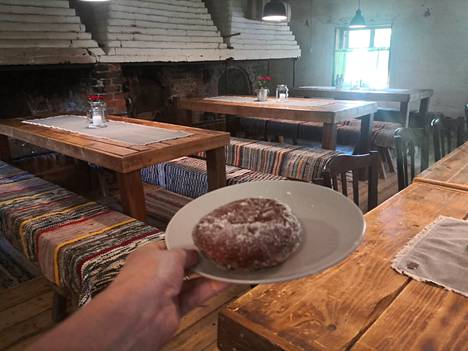 Kahvila-Ravintola Savipakari on iloinen yllätys.