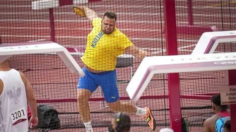 Daniel Ståhl heitti helposti loppukilpailupaikan perjantaina aamulla, jolloin Ruotsi oli vielä ilman mitaleita.