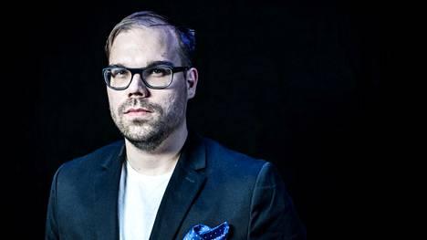 """Entinen kilpapelaaja Juha """"aNGeldusT"""" Kurppa toimii nykyään lajin parissa kommentaattorina ja managerina."""