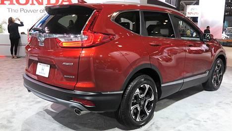 Ensimmäisenä kolmesta uudesta katumaasturista Suomeen ehtii Honda CR-V.