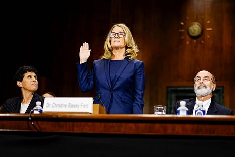 Christine Blasey Ford syyttää Kavanaughia ahdistelusta.