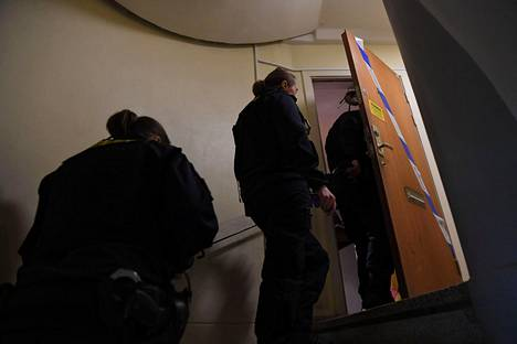 Poliisi on kuulustellut äitiä. Ruotsalaismedioiden mukaan hän kiistää rikosepäilyt.