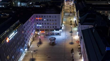 Päihdetilannekyselyyn vastanneista puolet kertoi pelkäävänsä kulkea Oulun keskustassa päihtyneiden ihmisten takia.