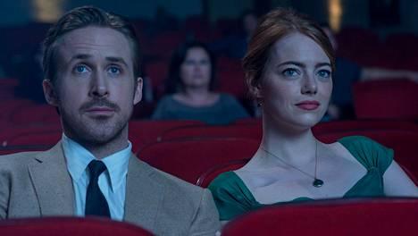 Emma Stone ja Ryan Gosling palkittiin sunnuntaina Golden Globe -pysteillä La La Land -elokuvan rooleistaan.