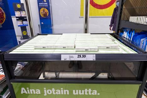 Viiden koronatestin paketin saa ostaa pyöreään 30 euron hintaan.