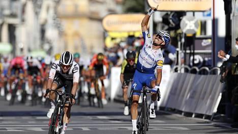 Julian Alaphilippe omisti toisen etapin voittonsa aiemmin kesällä kuolleelle isälleen.