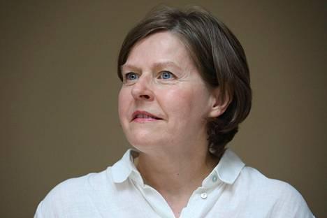 Entisen ministerin Heidi Hautalan mukaan Fortum tuli informoimaan siitä, että haluaa luopua jakeluverkkojen omistuksesta ja siirtää painopistettä muualle.