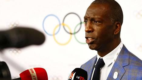 """Olympialegenda Michael Johnson, 50, kertoi vakavasta sairauskohtauksesta – """"Näin voi käydä jopa maailman nopeimmalle"""""""