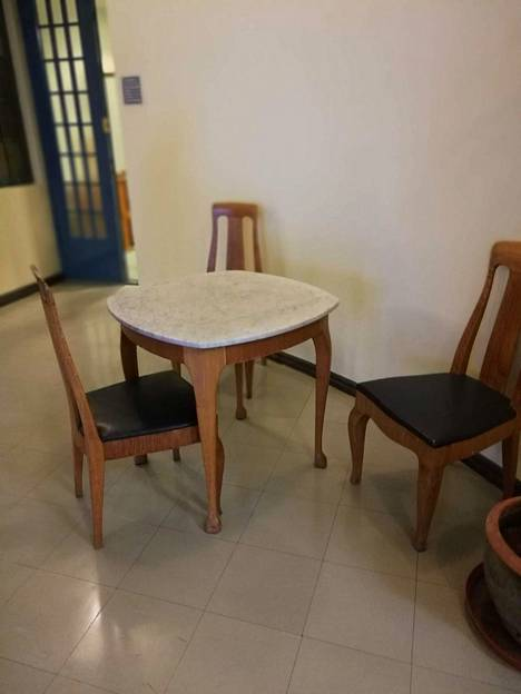 Alkuperäisiä huonekaluja.