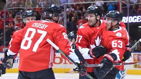 Sidney Crosbyn johtama ykkösketju oli iskussa avausfinaalissa.