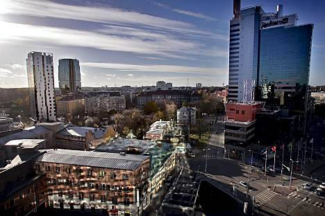 Radisson SAS (oik.) on Tallinnan korkein rakennus.