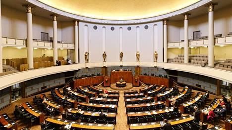 Eduskunnan istuntosali täysistunnossa 20. toukokuuta 2020.