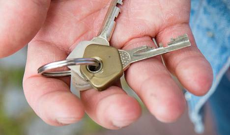 Porissa sijaitseva vuokra-asunto on viimein tyhjä, ja vuokralaiset ovat lähteneet pois. Vuokralaiset eivät ole kuitenkaan palauttaneet asunnon avaimia, eivätkä he vastaa viesteihin.