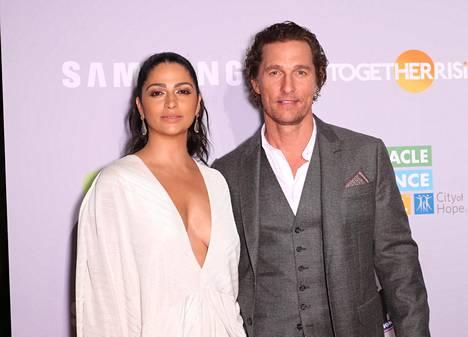 Matthew McConaughey tapasi mallivaimonsa Camila Alvesin 14 vuotta sitten.