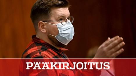 Perussuomalaisten kansanedustaja Sebastian Tynkkynen puhui eduskunnassa yhteenmenoon kahdeksan tuntia.