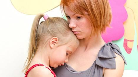 Ei ole tavatonta, että jotkut vanhemmat katuvat lastensa hankintaa. Kuvituskuva.