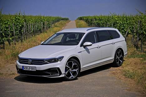 Uuden Volkswagen Passat GTE:n toimintamatka sähköllä̈ on nyt 55 tai 56 kilometriä̈, korimallista riippuen (WLTP-mittaustavan mukaan).