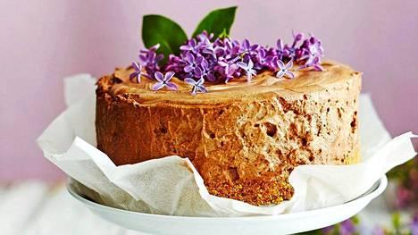 Tämän kakun voi tehdä vaikka pari viikkoa ennen juhlia.