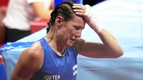 Mira Potkonen poistui olympia-areenalta vahvan tunnekuohun vallassa.