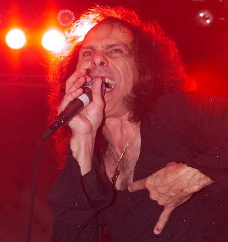 Ronnie James Dio Helsingissä keikalla.