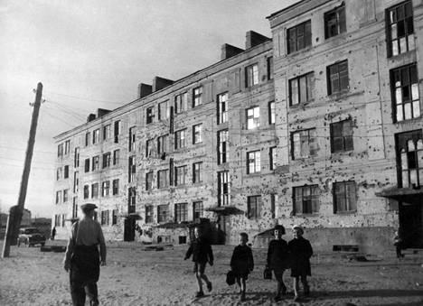 Tältä Pavlovin talolla näytti sodan jälkeen.