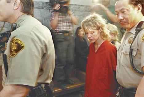 Mary Kay Letourneau tuomittiin seitsemäksi vuodeksi vankilaan. Hän avioitui oppilaansa kanssa vapauduttuaan.