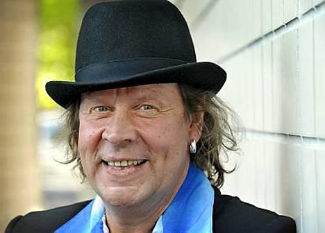 Pate Mustajärven Ollaan ihmisiksi -levy myi kultaa.