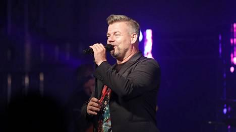 Jari Sillanpää esiintymässä Sastamalassa 24. elokuuta 2018.