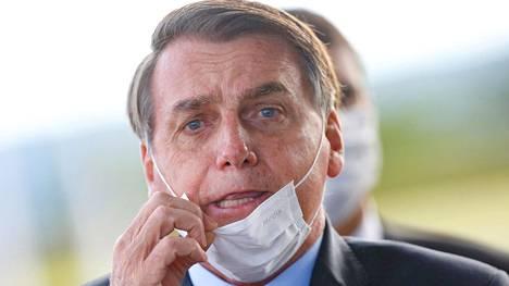 Brasilian presidentti ei ole lämmennyt tiukoille koronarajoituksille, vaikka virus leviää kovaa vauhtia.
