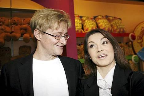Mikael ja Maria saapuvat yhdessä Peacockin Da Litsi -koodin ensi-iltaan toukokuussa vuonna 2007.