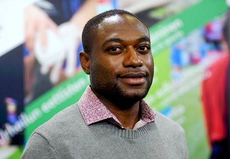 Jean Fridolin Nganbe Nganbe on kartoittanut ulkomaalaispelaajien kokemuksia Suomessa pelaamisesta.
