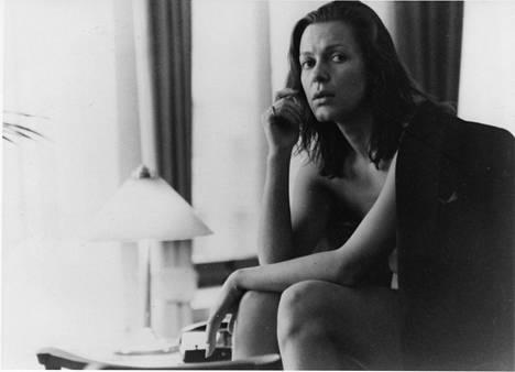 Eeva Elorannalla oli rooli Lauri Törhösen elokuvassa Riisuminen (1986).