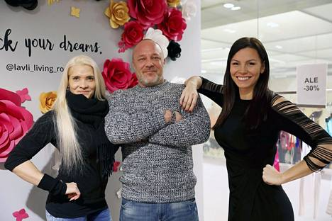 Mari Valosaari (oik.) vetää lauantaina 07. tammikuuta käynnistyvää Fitness TV:tä yhdessä Maria Yliluukaksen ja Stefan Lundin kanssa.