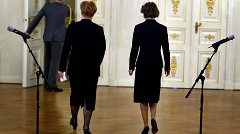 Presidentti Tarja Halonen myönsi eron lopullisesti Anneli Jäätteenmäen (kesk) hallitukselle 24. 6. 2003