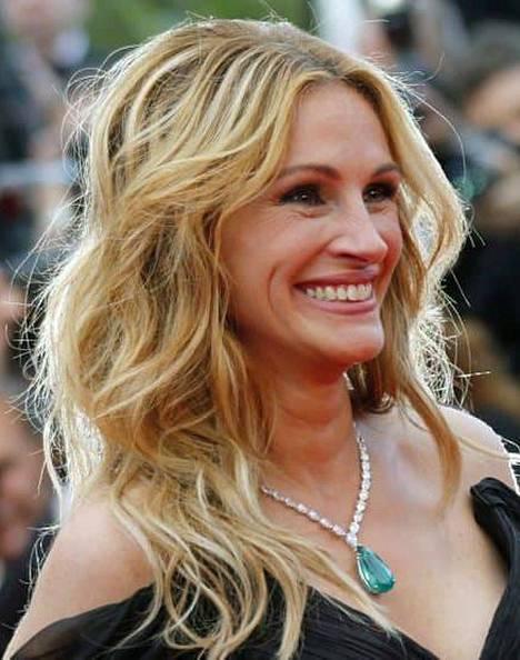 Näyttelijä Julia Robertsin hiuksista ei puutu kuohkeutta.